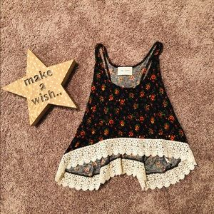 Tops - 🌺Cute Floral Crop Tank Top 🌺
